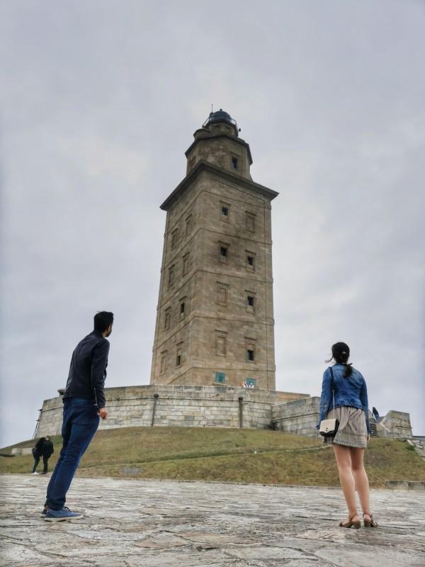 A los pies de la Torre de Hércules