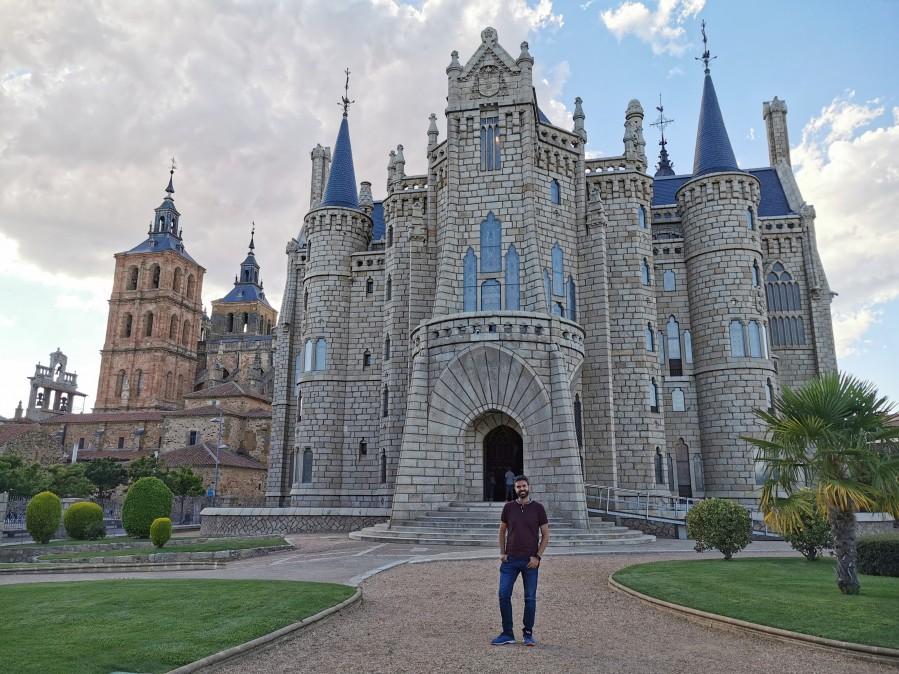 Palacio Episcopal de Gaudí